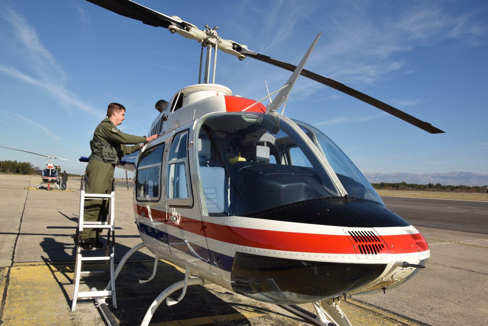 Prvi samostalni letovi Bell 206B3