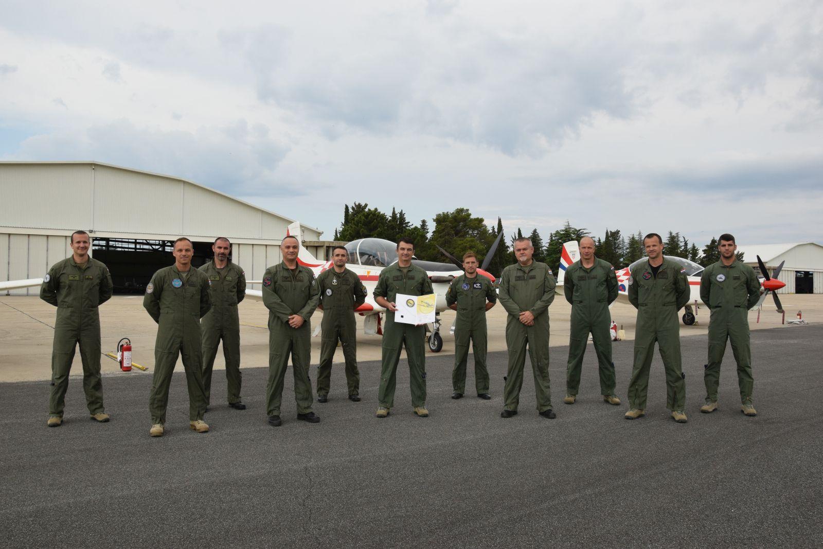 Bojnik Anđić ostvario 2000 sati naleta na Pilatusu PC-9M