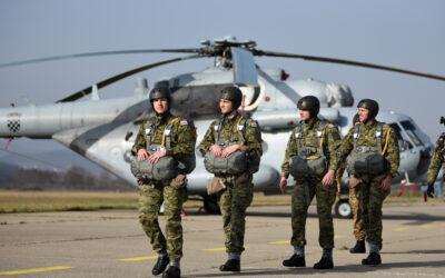 Padobranski skokovi kadeta, budućih vojnih pilota