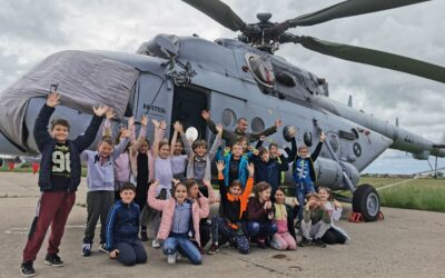 Posjeta učenika OŠ Nikole Tesle 194. eskadrili višenamjenskih helikoptera