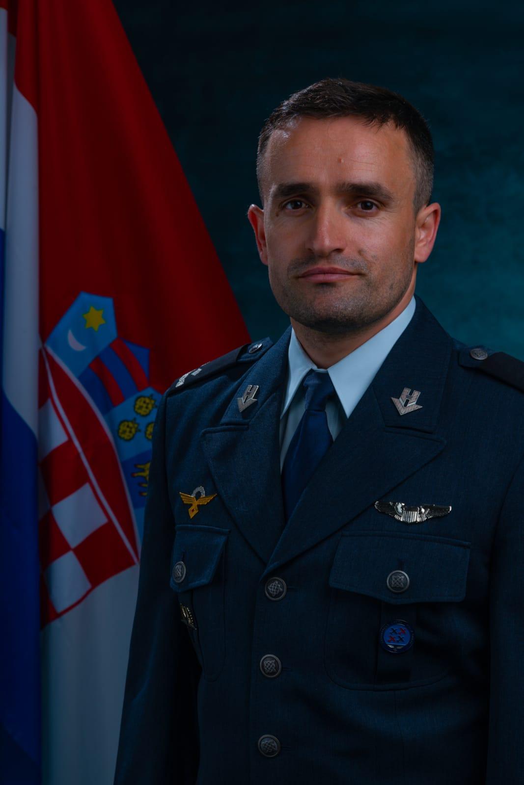natporučnik Krešimir OŠTRIĆ