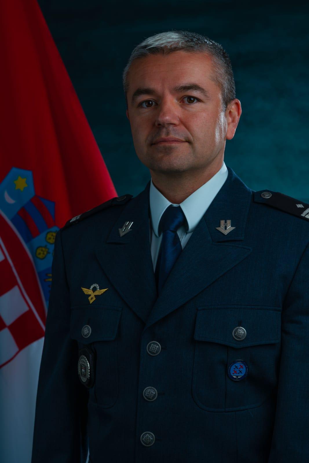 bojnik Nino PEROVIĆ